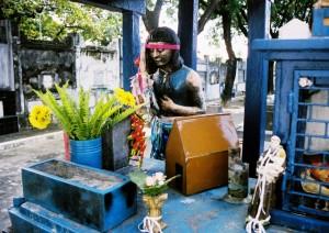Túmulo da Menina Maria de Lourdes Silva, Cemitério da Boa Sentença, João Pessoa-PB, 2006