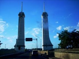 Ponte Internacional Uruguaiana-Paso de Los Libres, Brasil-Argentina, 30/12/2010 — em Uruguaiana, Rio Grande do Sul.