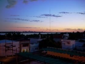 Vista do Hotel Alejandro I para Uruguaiana, Paso de Los Libres, Argentina, 30/12/2010 — em Paso de los Libres, Corrientes, Argentina.