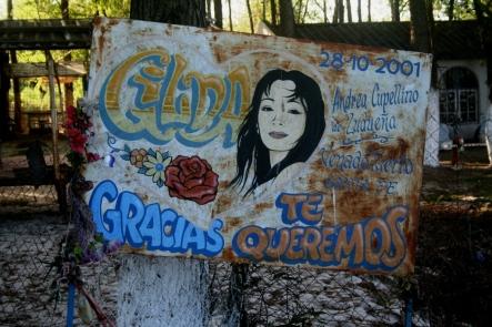 Placa votiva no Santuário de Gilda, Ruta Nacional 12, Entre Ríos, Argentina, 31/12/2010 — em Paranacito, Entre Rios, Argentina.