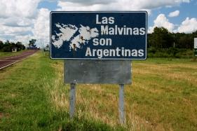 Placa na Ruta 119, Mercedes, Província de Corrientes, Argentina, janeiro/2011